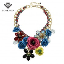 Top Sell Fashion Accessories Women Gold Chain Spray Paint Metal Flower Rhinestone Crystal Bib Necklaces Statement Jewelry Maxi